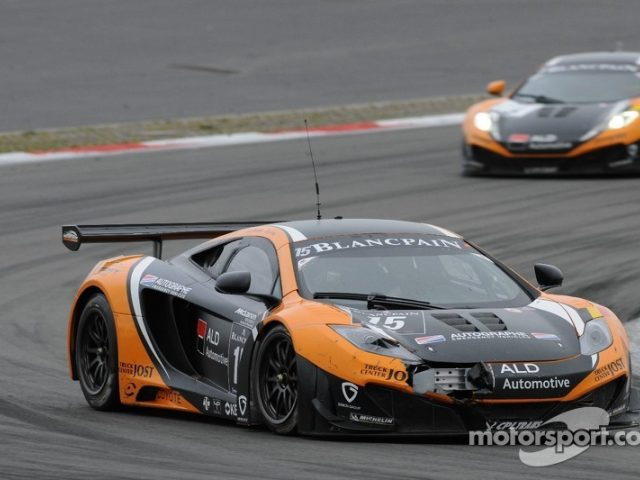 mclaren mp4 12c gt3. Black Bedroom Furniture Sets. Home Design Ideas